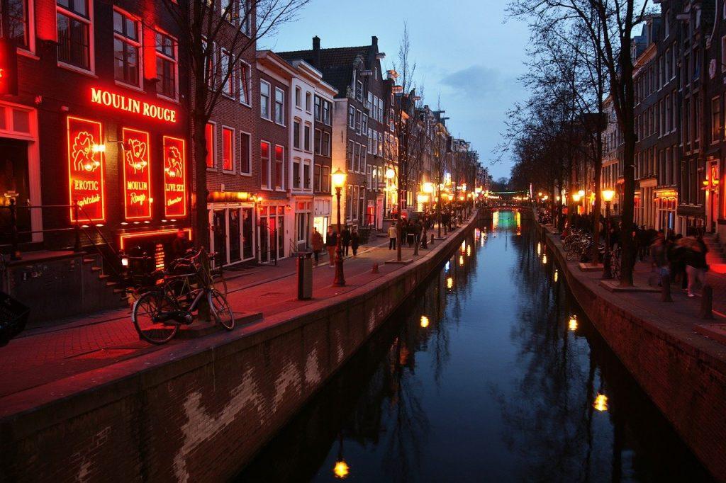 red light district amsterdam 1024x682 - Amsterdam